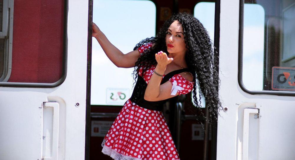 Dziewczyna w pociągu