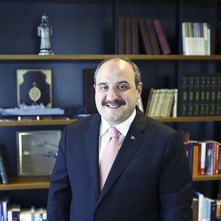 Minister przemysłu i technologii Turcji Mustafa Varank