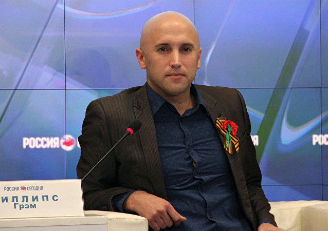 Dziennikarz Graham Phillips