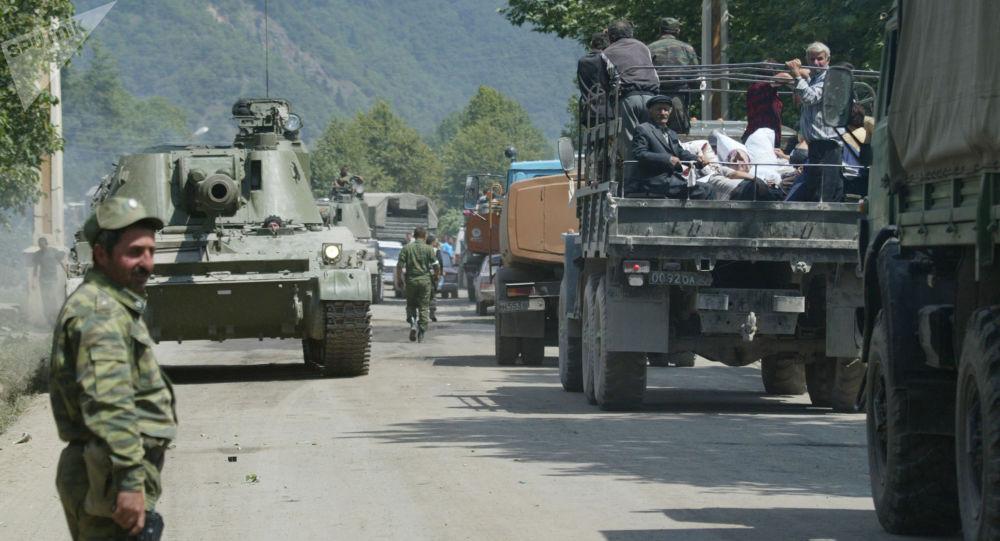 Rosyjscy żołnierze kierujący się w stronę Cchinwali w 2008 roku