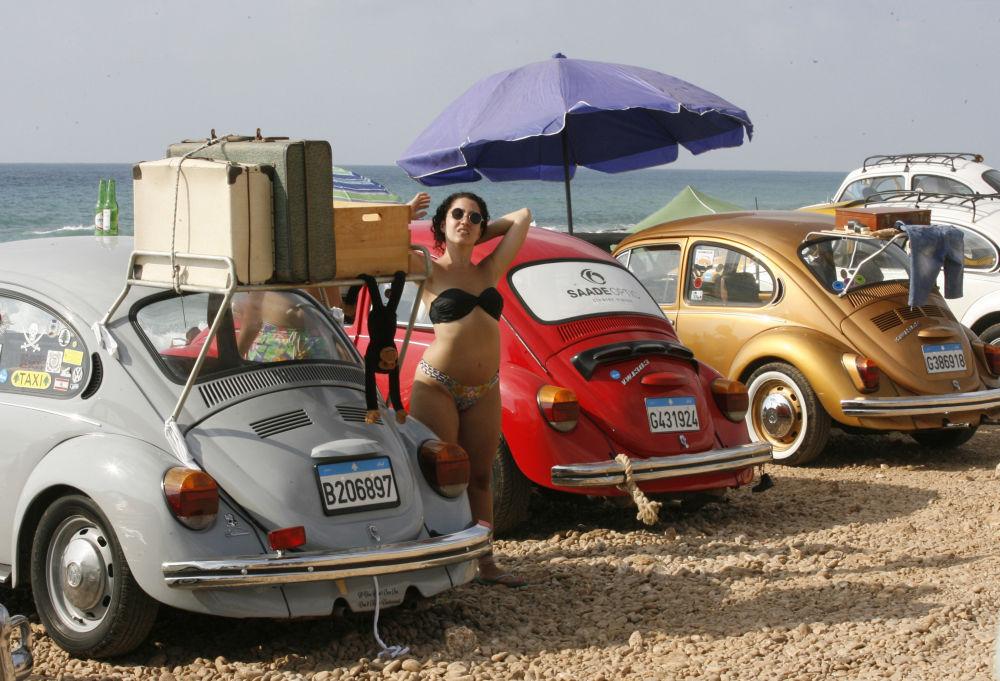 Zjazd zabytkowych samochodów Volkswagen w Libii
