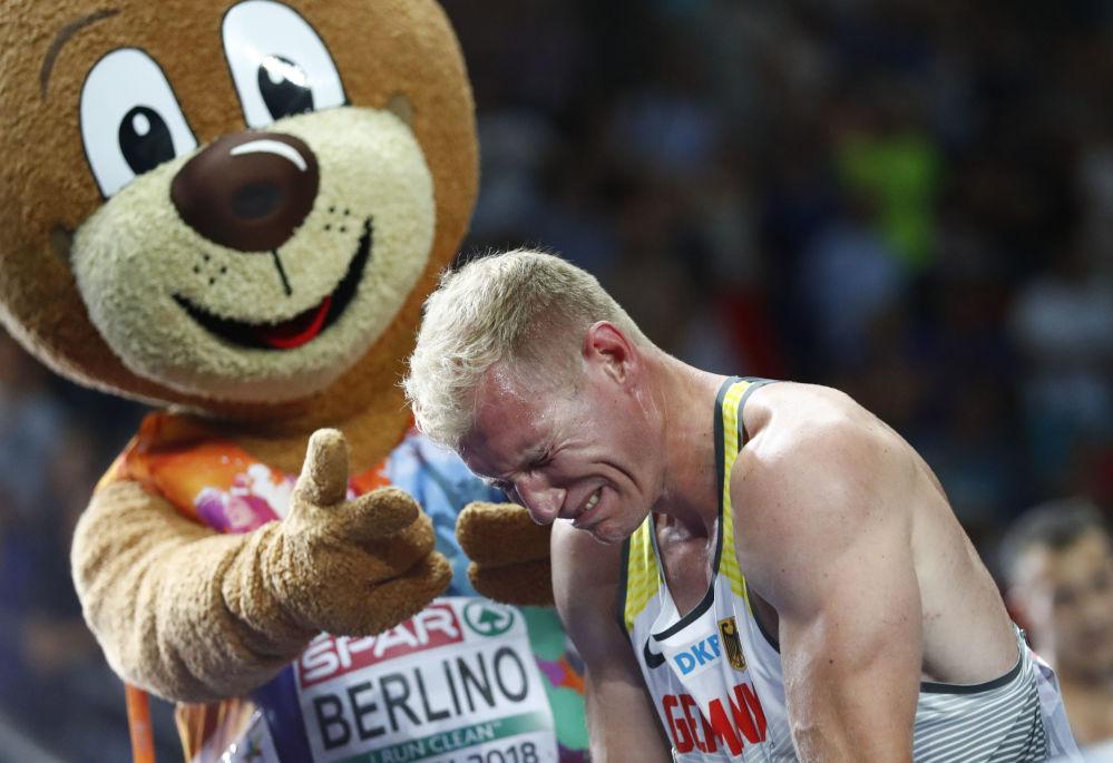 Arthur Abele cieszy się ze zwycięstwa na mistrzostwach Europy w lekkoatletyce, Niemcy