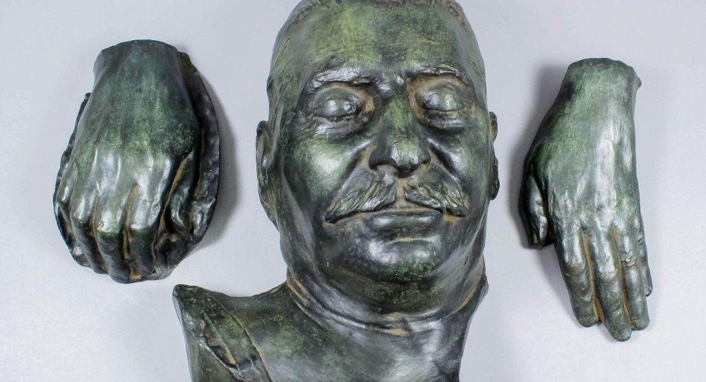 Pośmiertna maska Stalina