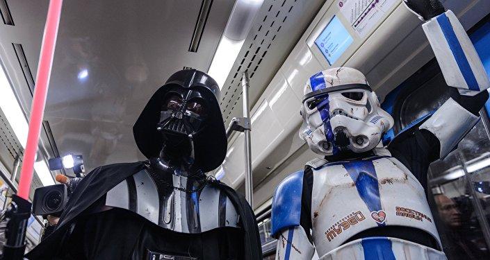 Dzień Gwiezdnych Wojen w moskiewskim metrze