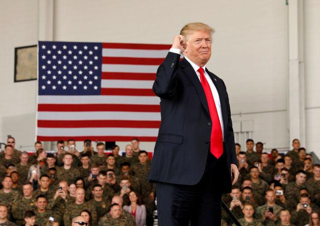 Donald Trump w bazie Miramar w Kaliforni