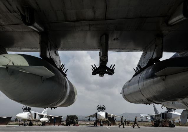 Su-24 na bazie Hmeimim, Syria