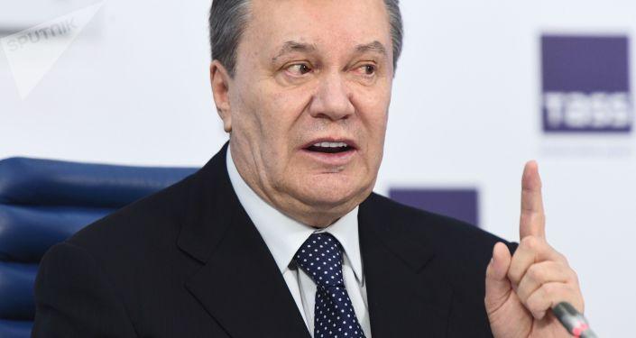 Były prezydent Ukrainy Wiktor Janukowycz na konferencji prasowej w Moskwie