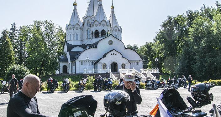 Uczestnicy XVIII Międzynarodowego Motocyklowego Rajdu Katyńskiego