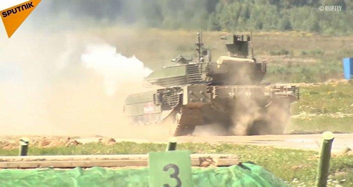 """T-90M """"Proryw-3"""" po raz pierwszy został zaprezentowany publicznie w Alabino pod Moskwą"""