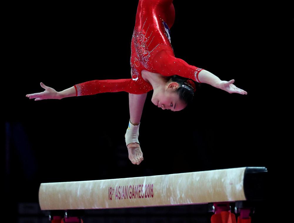 Chińska gimnastyczka Liu Tingting na Igrzyskach Azjatyckich 2018