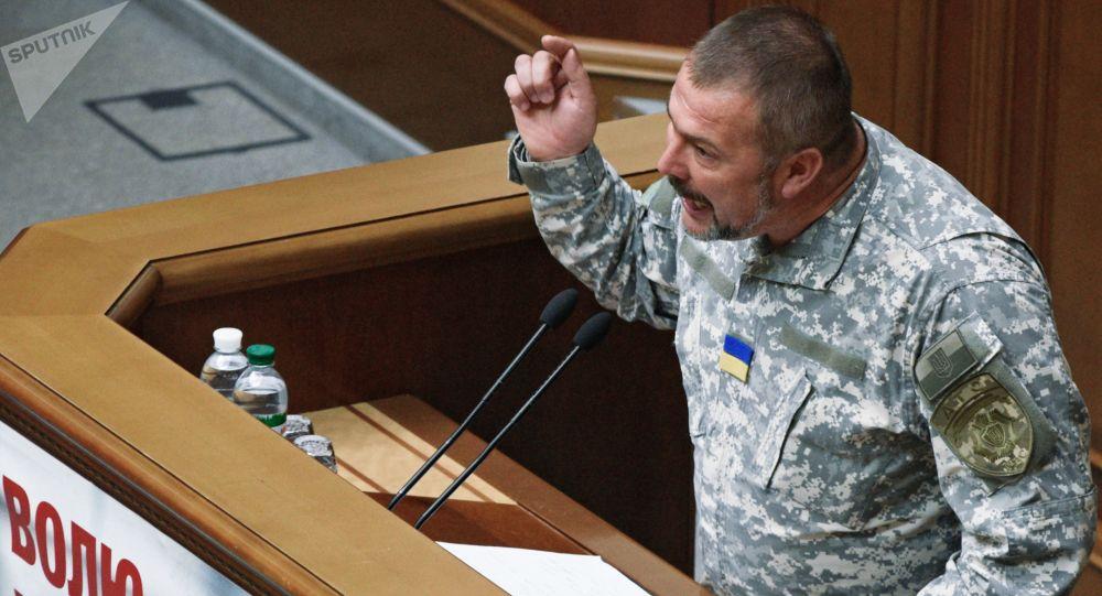 """Deputowany z frakcji """"Front Ludowy"""" Jurij Bierioza przemawia na otwarciu trzeciej sesji Rady Najwyższej Ukrainy"""