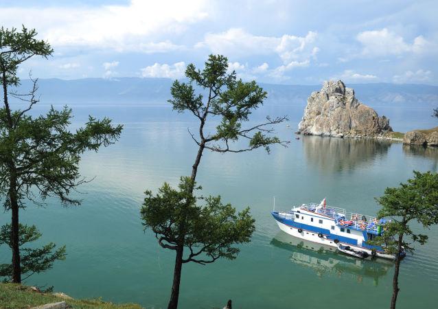 Niesamowity Bajkał