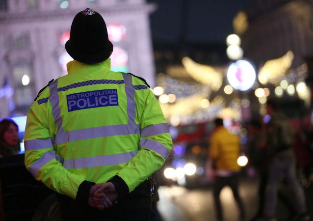 Brytyjski policjant. Zdjęcie archiwalne