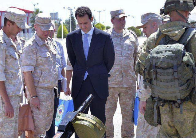 Prezydent Syrii Baszar Asad w rosyjskiej bazie wojskowej w Hmeimim