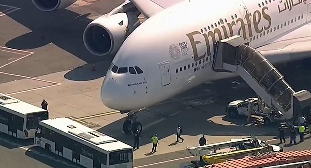 Samolotu Emirates na lotnisku JFK w Nowym Jorku