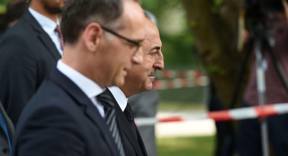 Minister spraw zagranicznych Niemiec Heiko Maas i minister spraw zagranicznych Turcji Mevlut Cavusoglu