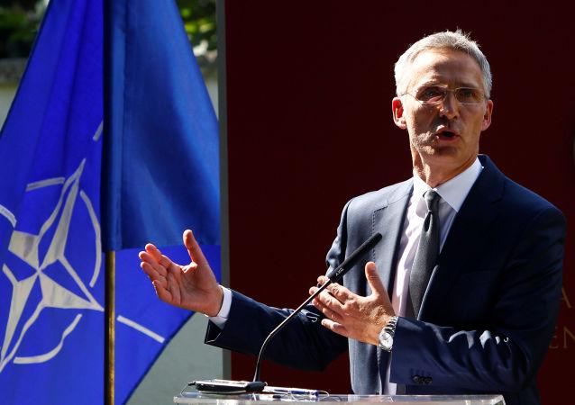 Sekretarz generalny NATO Jens Stoltenberg w Skopje, Macedonia