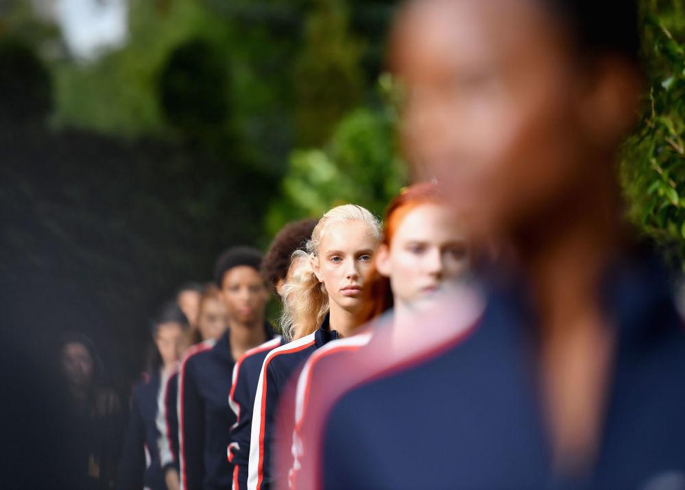 Prezentacja kolekcji Tory Burch podczas Tygodnia Mody w Nowym Jorku