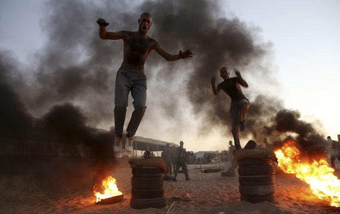 Szkolenie wojskowe młodych policjantów w Strefie Gazy