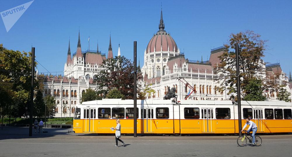 Budynek parlamentu węgierskiego w Budapeszcie