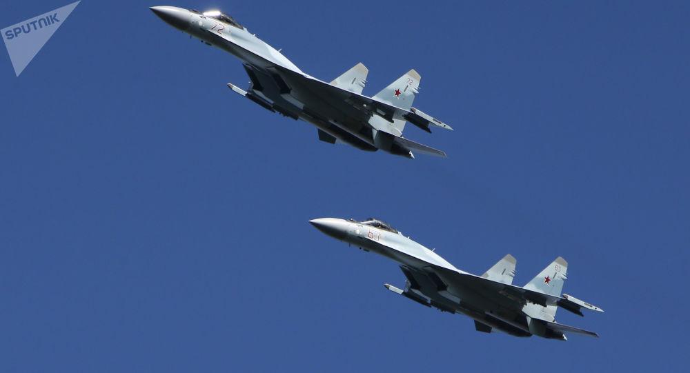 Myśliwce Su-35 na manewrach wojskowych w obwodzie kostromskim