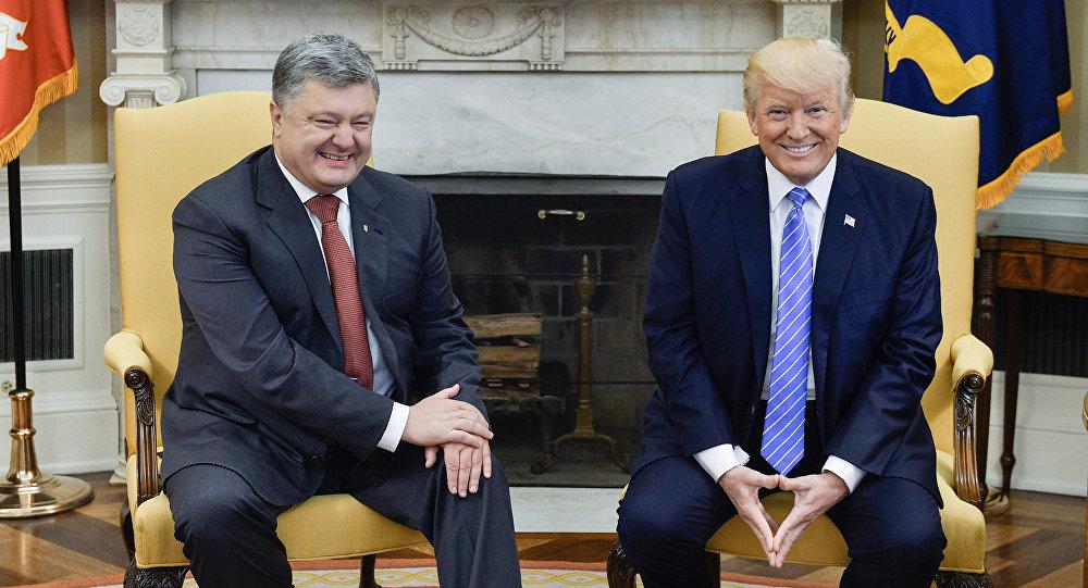 Petro Poroszenko i Donald Trump podczas spotkania w Białym Domu
