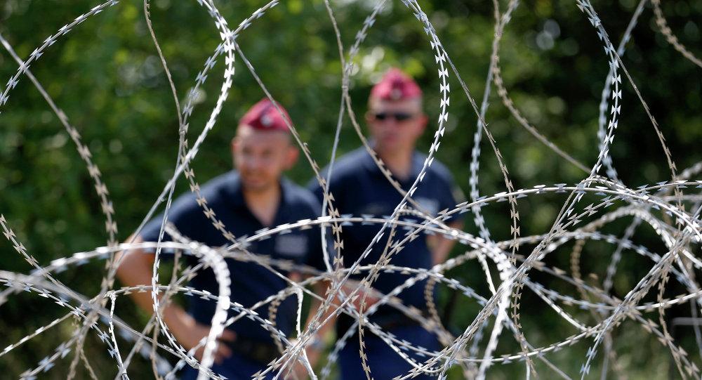 Węgierska służba podczas patrolu granicy