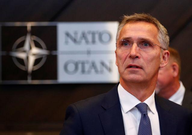Sekretarz generalny NATO Jens Stoltenberg na spotkaniu ministrów obrony państw NATO w Brukseli. 4 października 2018 roku
