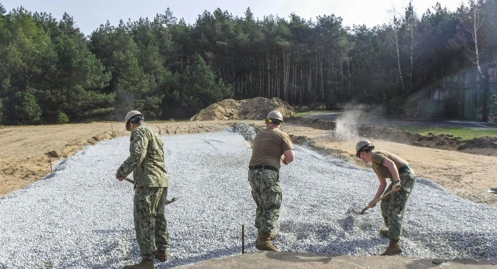 Korpus inżynieryjny armii USA w bazie lotniczej Powidz w Polsce