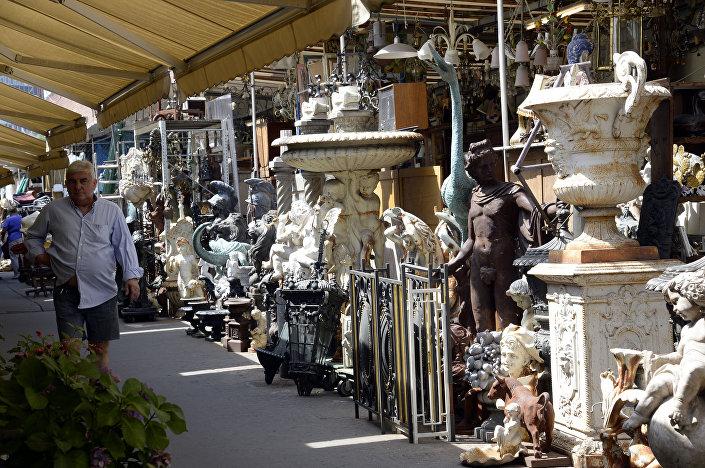 Pchli targ Saint-Ouen, Paryż