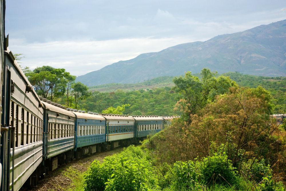 Trasa kolejowa Tazara łącząca Tanzanię i Zambię na kontynencie afrykańskim