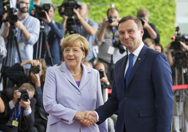 Kanclerz Niemiec Angela Merkel i prezydent Polski Andrzej Duda na spotkaniu w Berlinie, 28 sierpnia 2015