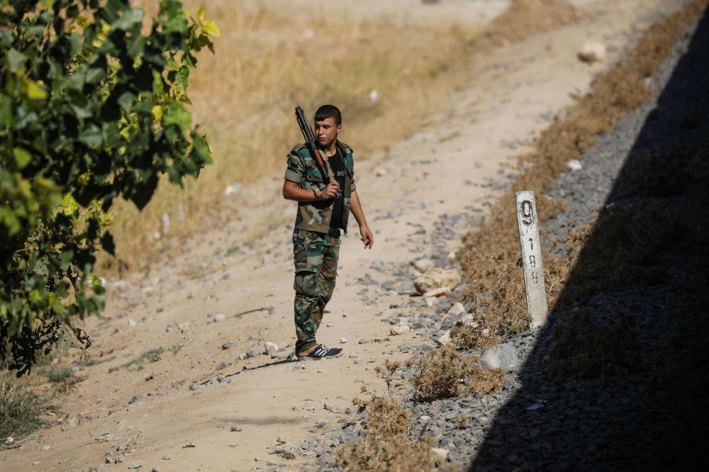 Żołnierz na przedmieściach Damaszku