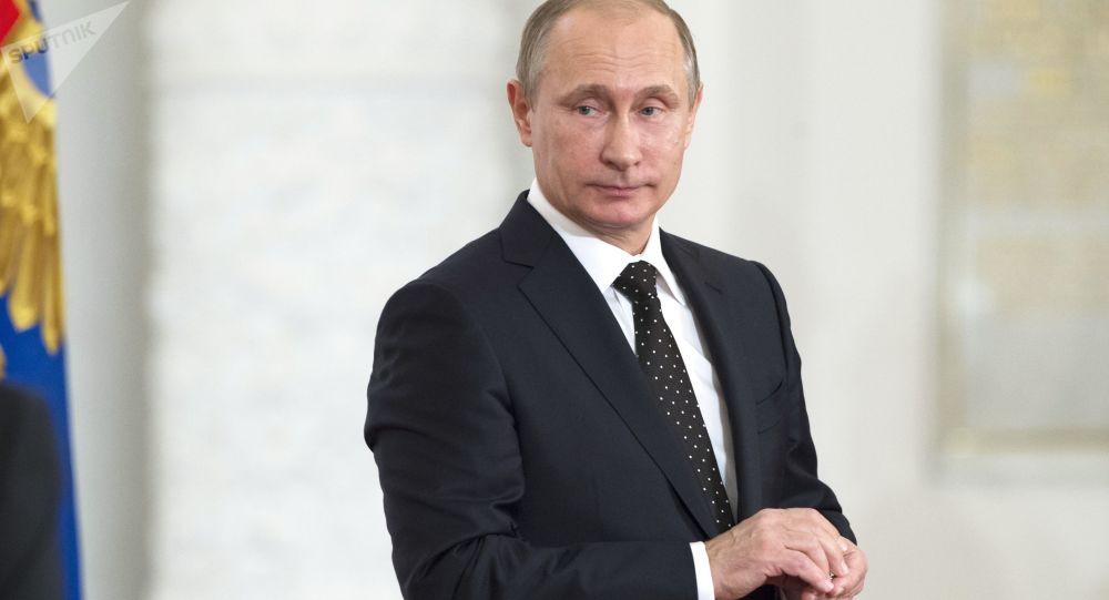 Prezydent Rosji Władimir Putin na uroczystości wręczenie nagród państwowych w Dużym Pałacu Kremlowskim