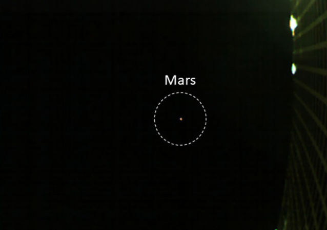 Zdjęcie Marsa zrobione przez jedną z sond MarCo