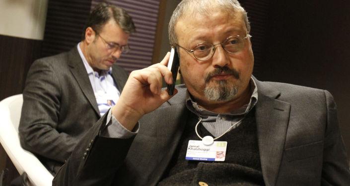 Saudyjski dziennikarz Dżamal Chaszodżdżi na Światowym Forum Ekonomicznym w Davos, Szwajcaria