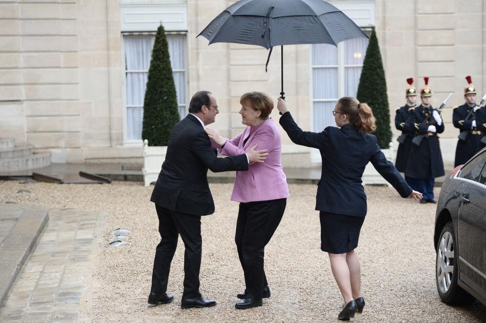 Angela Merkel z prezydentem Francji w Paryżu, 2016.