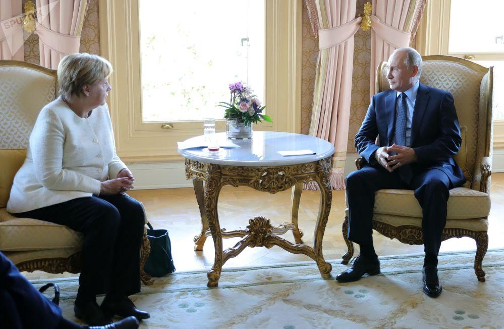 Spotkanie Władimira Putina i Angeli Merkel
