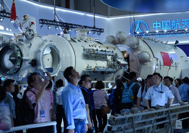 Część głównego modułu chińskiej stacji kosmicznej na Airshow China-2018