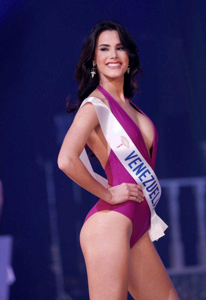 """Miss Wenezueli Mariem Claret Valzco na konkursie piękności """"Miss International – 2018"""" w Tokio, Japonia"""