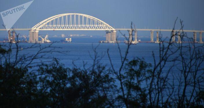 Widok na Most Krymski