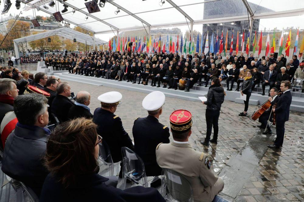 Światowi liderzy na uroczystościach z okazji 100. rocznicy zakończenia I wojny światowej w Paryżu