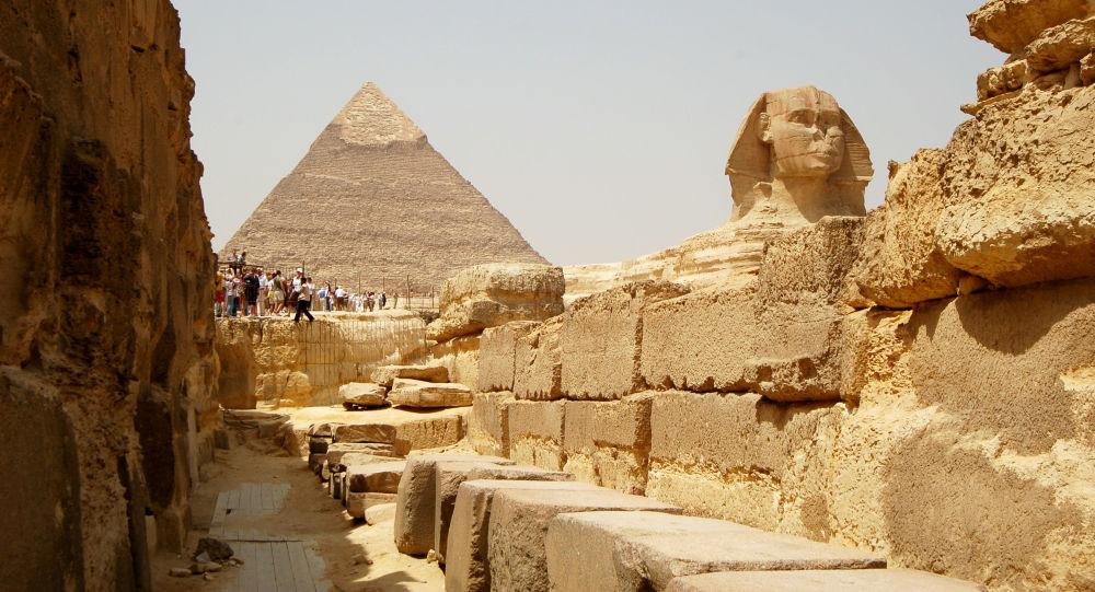 Wielka Piramida w Gizie, Piramida Cheopsa i Wielki Sfinks