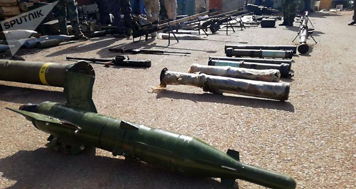 Duży magazyn z bronią i amunicją terrorystów znaleziony przez syryjską armię na południu kraju