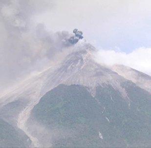 Erupcja wulkanu Fuego w Gwatemali