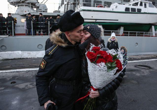 """Załoga krążownika """"Marszałek Ustinow"""" powróciła do Siewieromorska"""