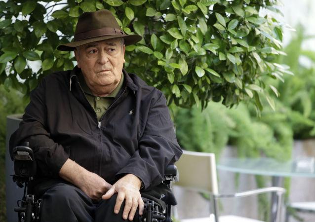 Włoski reżyser filmowy Bernardo Bertolucci. Zdjęcie archiwalne