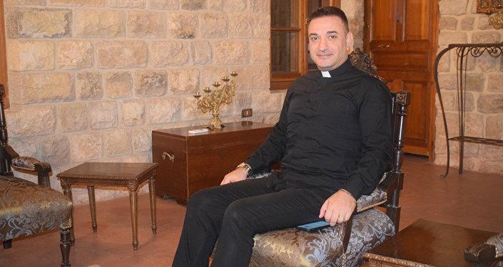 Katolicki duchowny Aili Khnaser