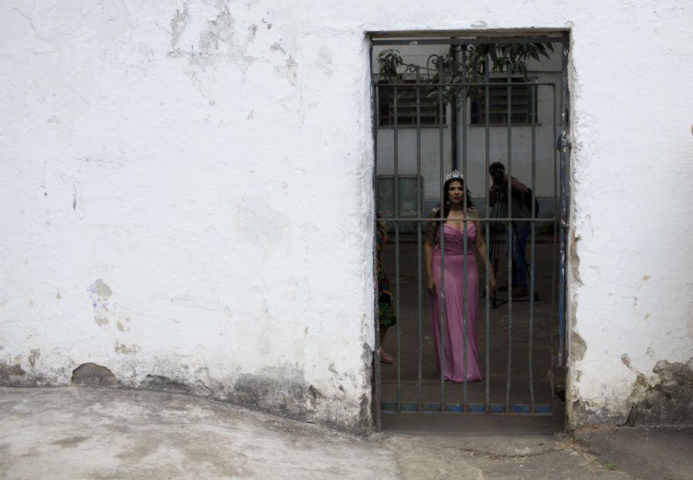 Zwyciężczyni ubiegłorocznego konkursu Miss Talavera Bruce 2017 Mayana Rosa Alves w Rio de Janeiro