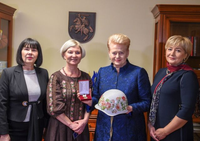 """Prezydent Litwy Dalia Grybauskaite w Kijowie została nagrodzona za """"nieustające wsparcie dla ludności Ukrainy"""""""
